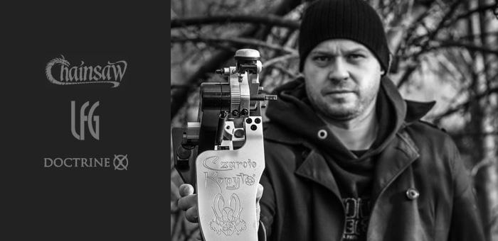 Sebastian-Gorski-Chainsaw-czarcie-kopyto-artist-front