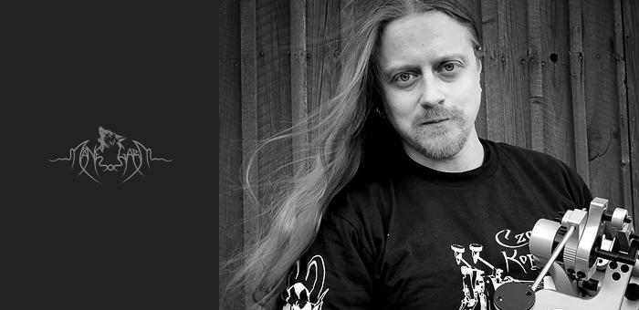 Jakob-Hallegren-manegarm-czarcie-kopyto-artist-front